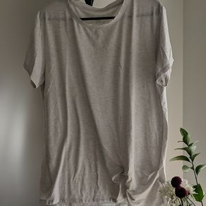 Light greyish tone t-shirt w/cute little knot.